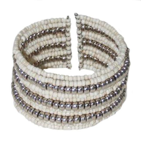 Armband aus Perlen creme/silbern - Fair Trade