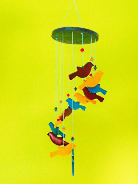 Holz Vogel-Mobile in den Farben rot, gelb und türkis - Fair Trade