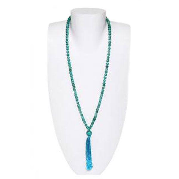 türkise/grüne Halskette aus Holzperlen mit Quaste - Fair Trade