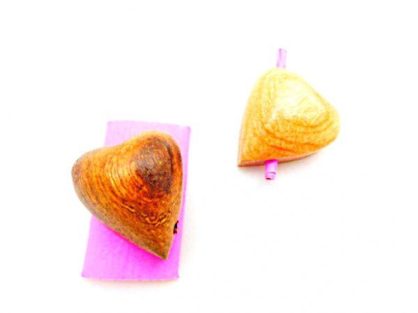 ein Wunsch-Herz aus Holz geschnitzt - Fair Trade
