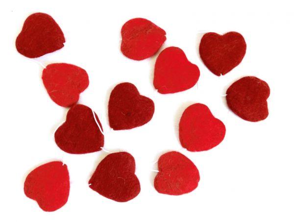 Girlande aus roten Filz-Herzen - Fairtrade
