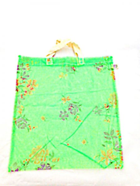 Moskitonetz-Tasche grün mit Blumen - upcycling - Fair Trade